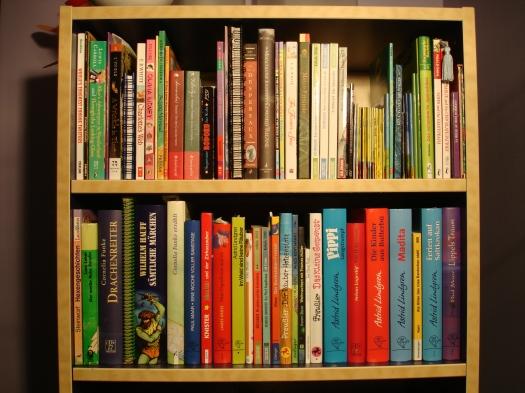 German_American_Kids_Bookshelf