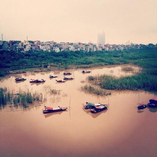 Sông Hồng nhìn từ cầu Long Biên